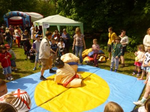 Sumo Wrestling with Discovery Explorer Scouts